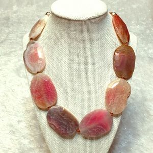 Stone necklace pink NEW maybe quartz ?